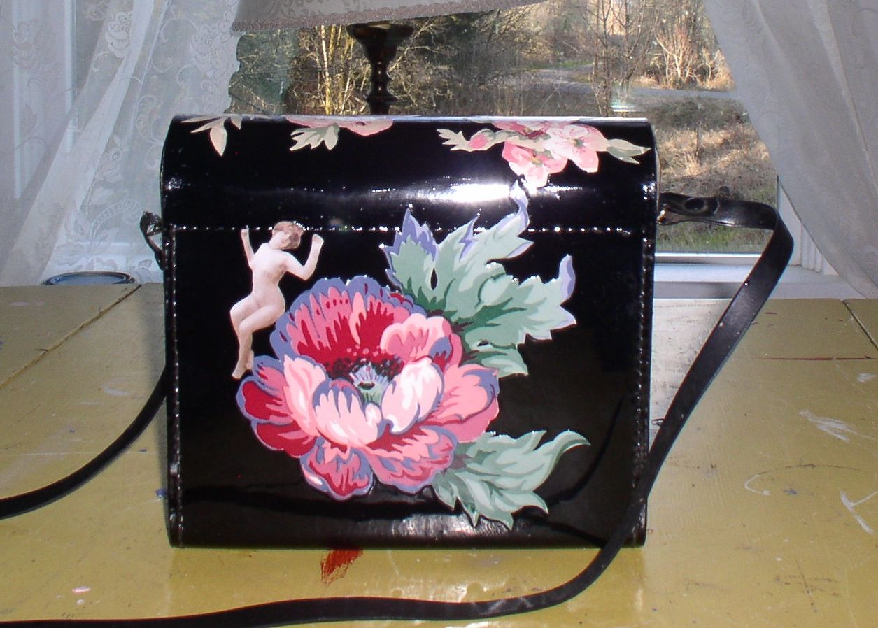 another view of the binocular  purse