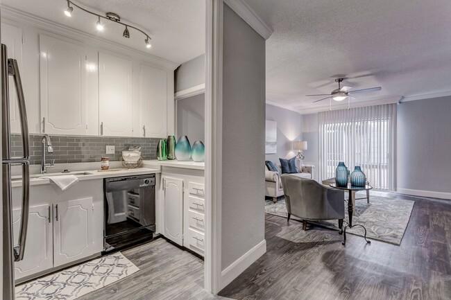 Chateaux Dijon Apartments Houston Tx Apartments Com Houston Apartment Apartment Apartments For Rent