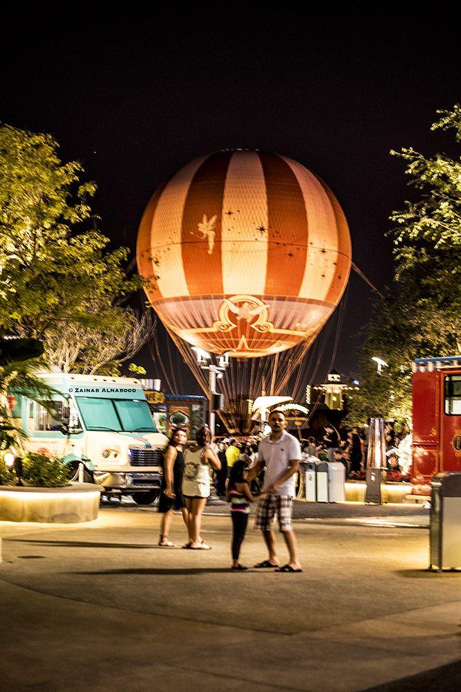 أكبر بالون هيليوم مربوط في العالم متاح إلى الزوار عشان يحلقوا داخله بإرتفاع يصل إلى ٤٠٠ قدم لمدة بين ال ٨ إلى ١٠ دقائق ويشوفوا ڤي Florida Grounds Fair Grounds