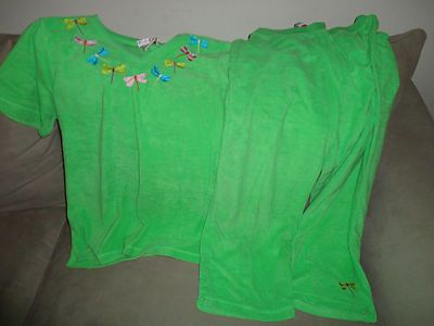 Quacker Factory 2 pc Green outfit with Dragonfly accents size Large Womens find me at www.dandeepop.com