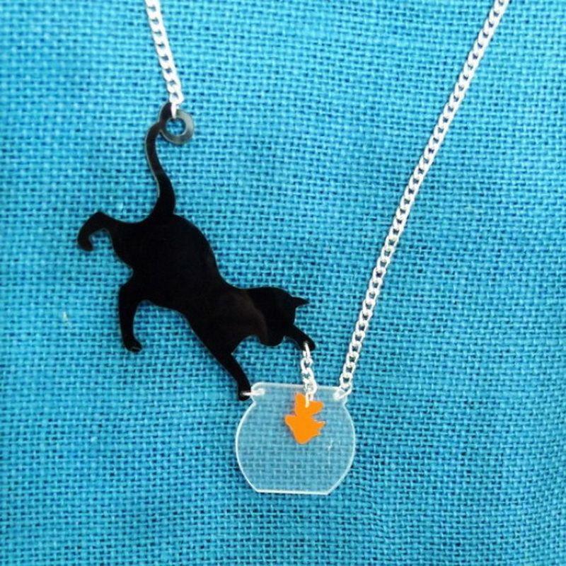 Katze Spielen Fisch Halskette Kleine Haustiere Halskette Niedlichen Tier Halskette Laser geschnitten Acryl-anhänger Halskette frau Schmuck