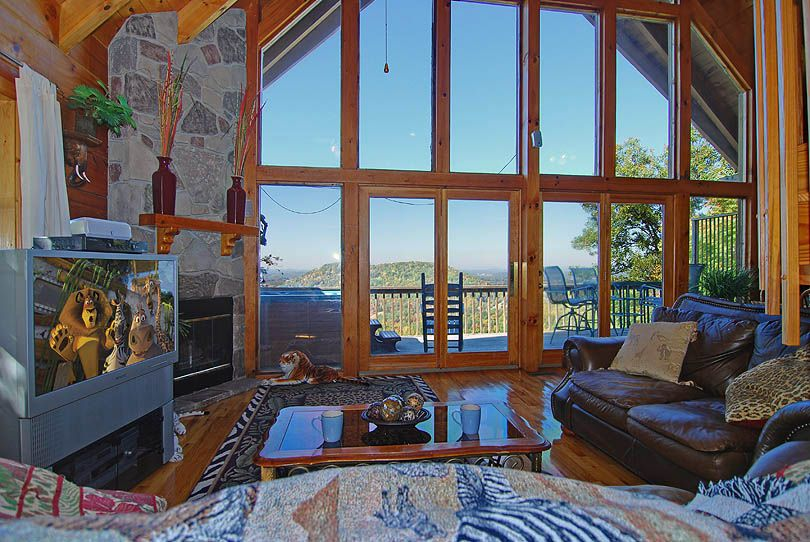 A Safari Sunrise Is A Beautiful One Bedroom, Two Full Bath Log Cabin Near