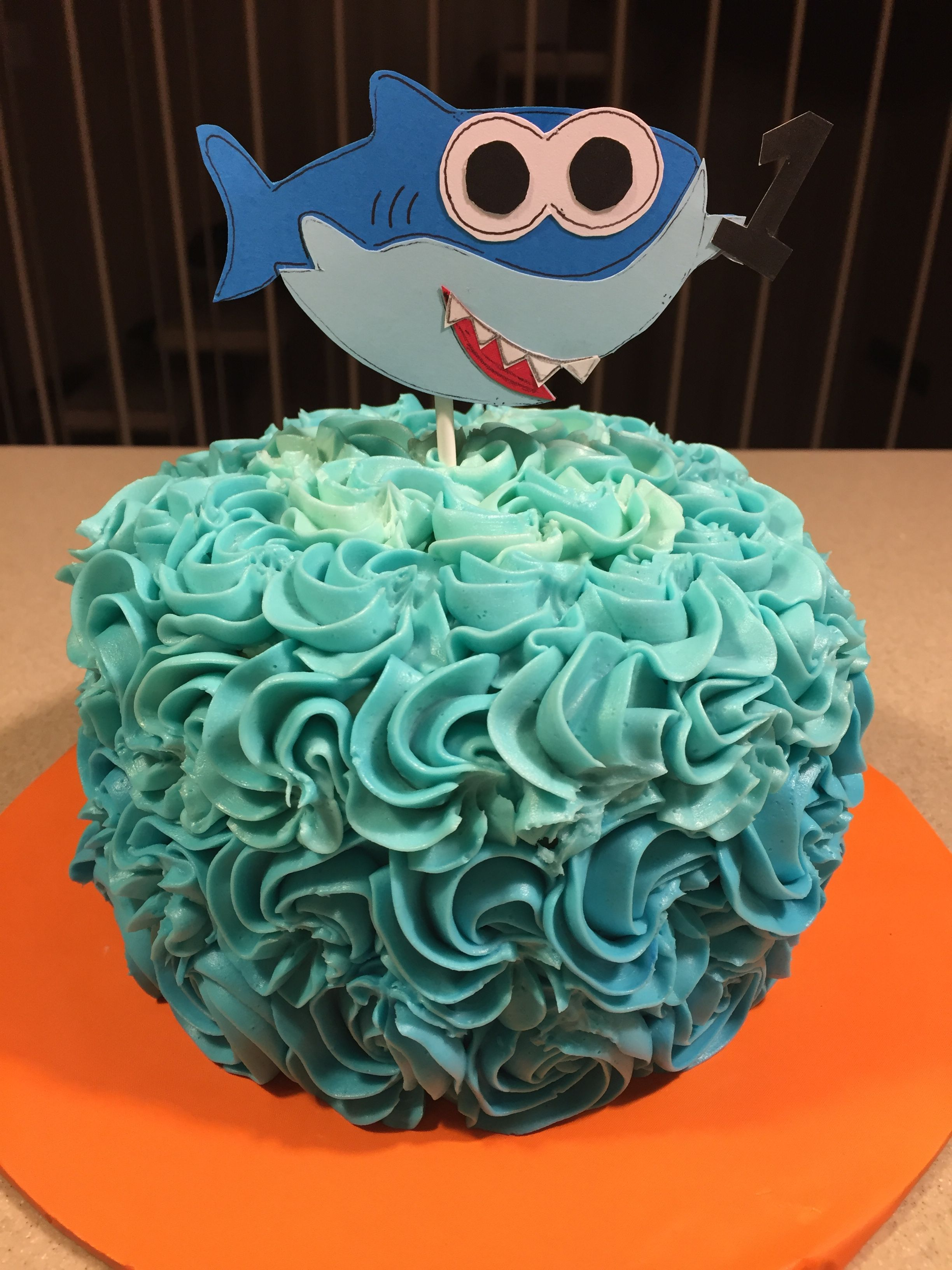 Baby Shark Smash Cake With Images Shark Themed Birthday Party