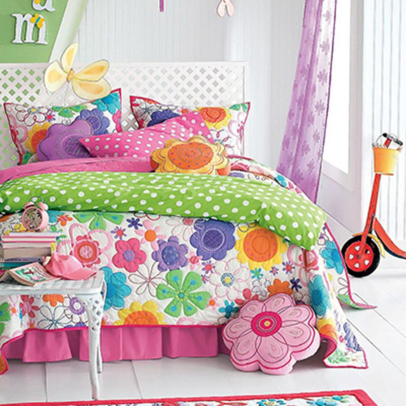 8. Company Kids Modern Bloom Quilt Set 10 Pretty