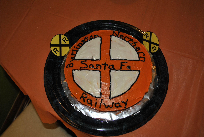 BNSF Logo Cake Birthday Cakes Cake logo, Logos, Holiday