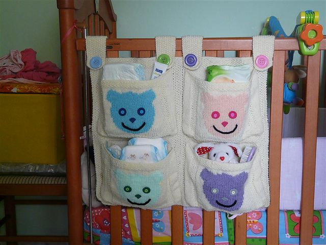 Hanging Pockets by Debbie Bliss