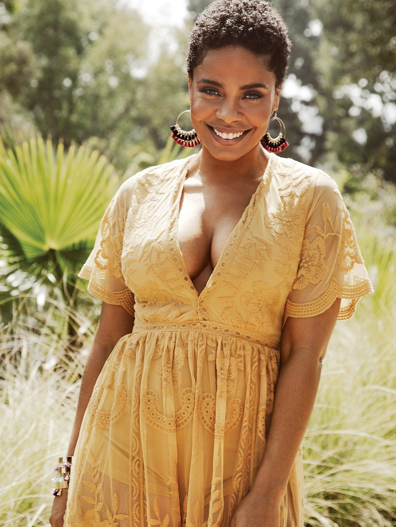 Sanaa Lathan Talks Self Care Body Image And That Bizarre Beyonce Biting Rumor In 2020 Natural Hair Styles Short Natural Hair Styles Short Hair Styles