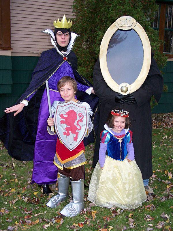 Cute Family Disney Halloween Costumes.Snow White Family Costume Halloween Group Halloween Costumes