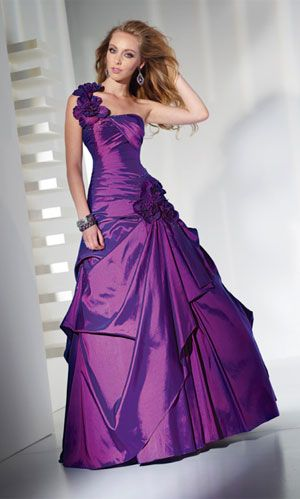 Wauuw dark purple prom dress to go with my dates FREAKING ORANGE TUX ...