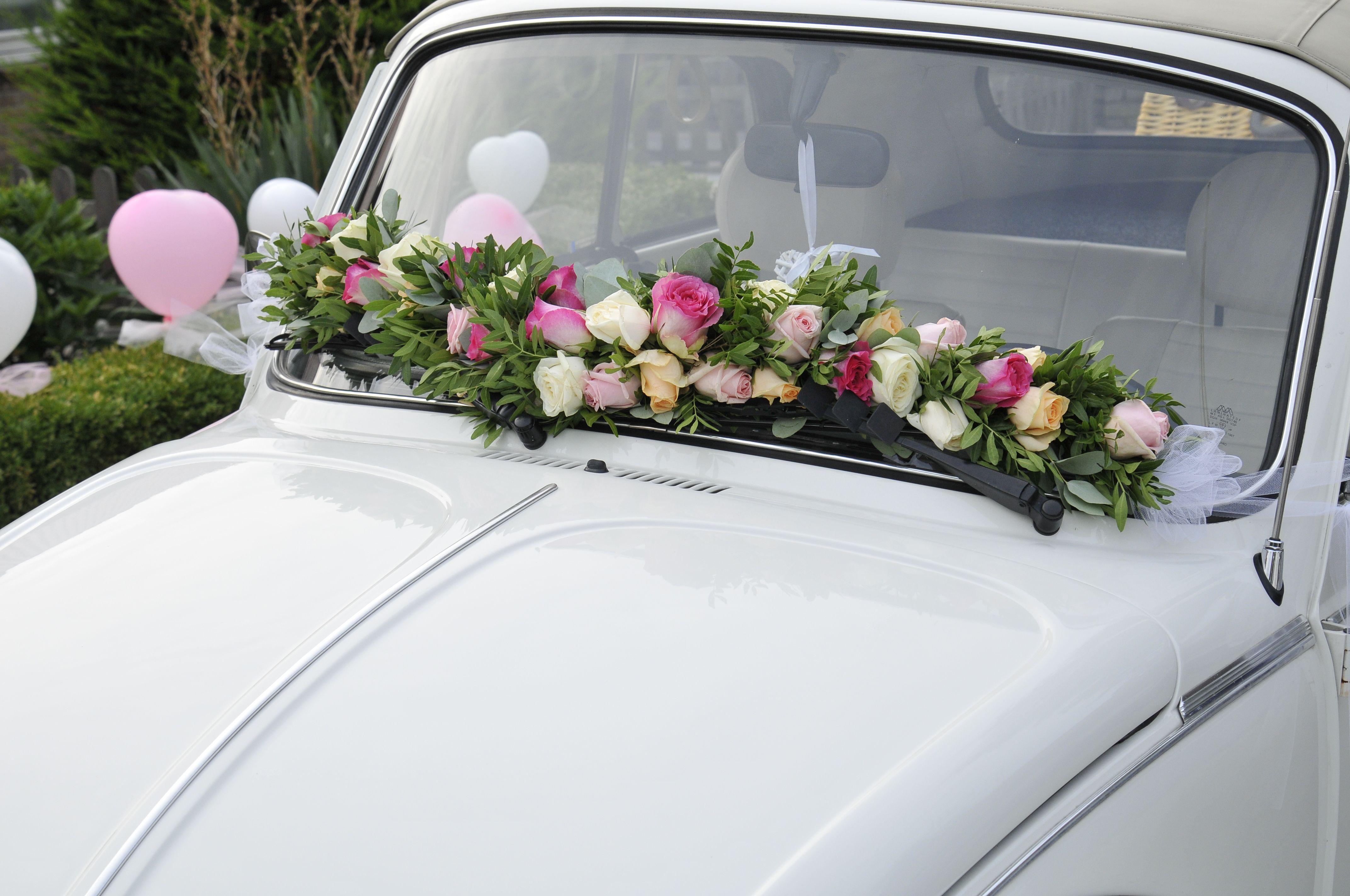Een Mooie Guirlande Als Versiering Van Uw Auto Decoratie Bruidsboeket Versieringen