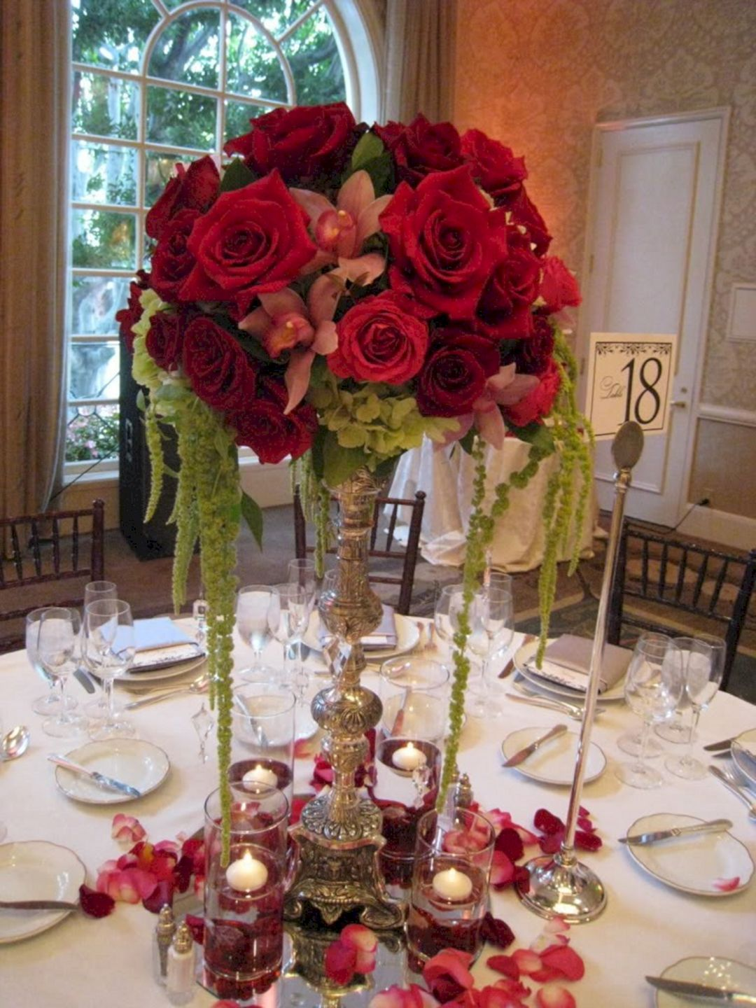 Red And Pink Flowers Centerpieces Idea For Wedding In February 30