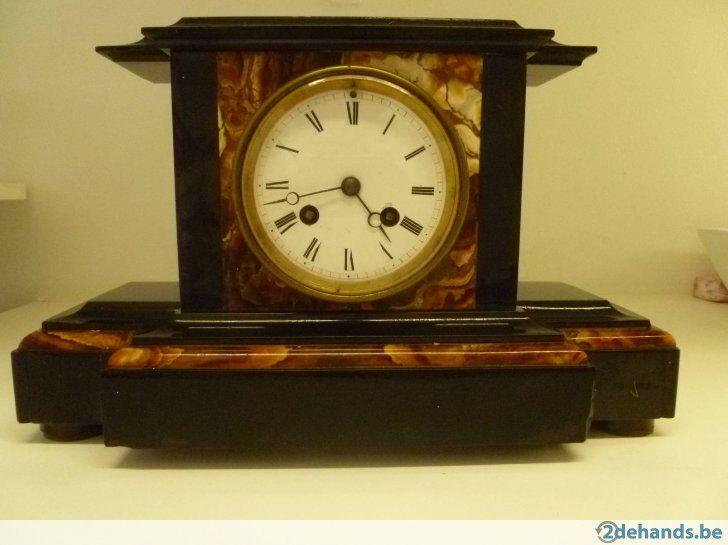 antieke horloge werk niet maar kan gemaakt worden mooi als decoratie is volledig ongeschonden