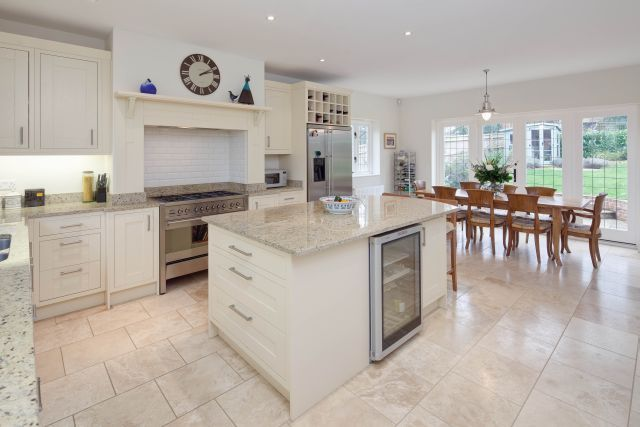 Traditional style shaker kitchen in cookham dean luxury for Shaker style kitchen with island