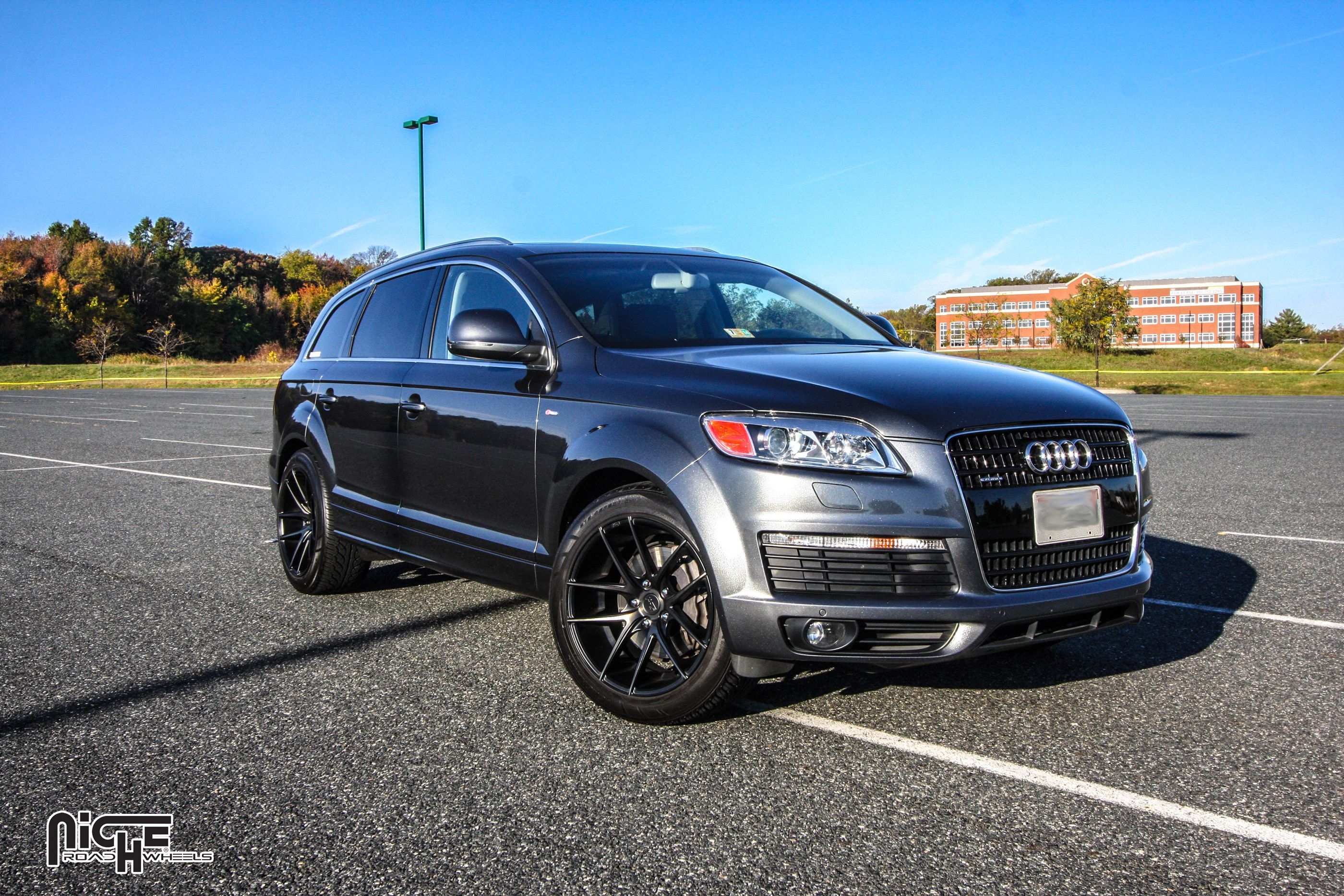 2007 audi q7 with machined black with dark tint niche sport targa wheels 20 inch targa rims. Black Bedroom Furniture Sets. Home Design Ideas