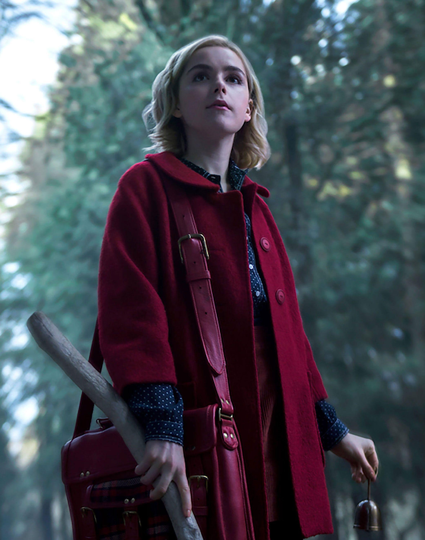 ¡Tenemos nuevo teaser de la serie de Sabrina! Fotos de