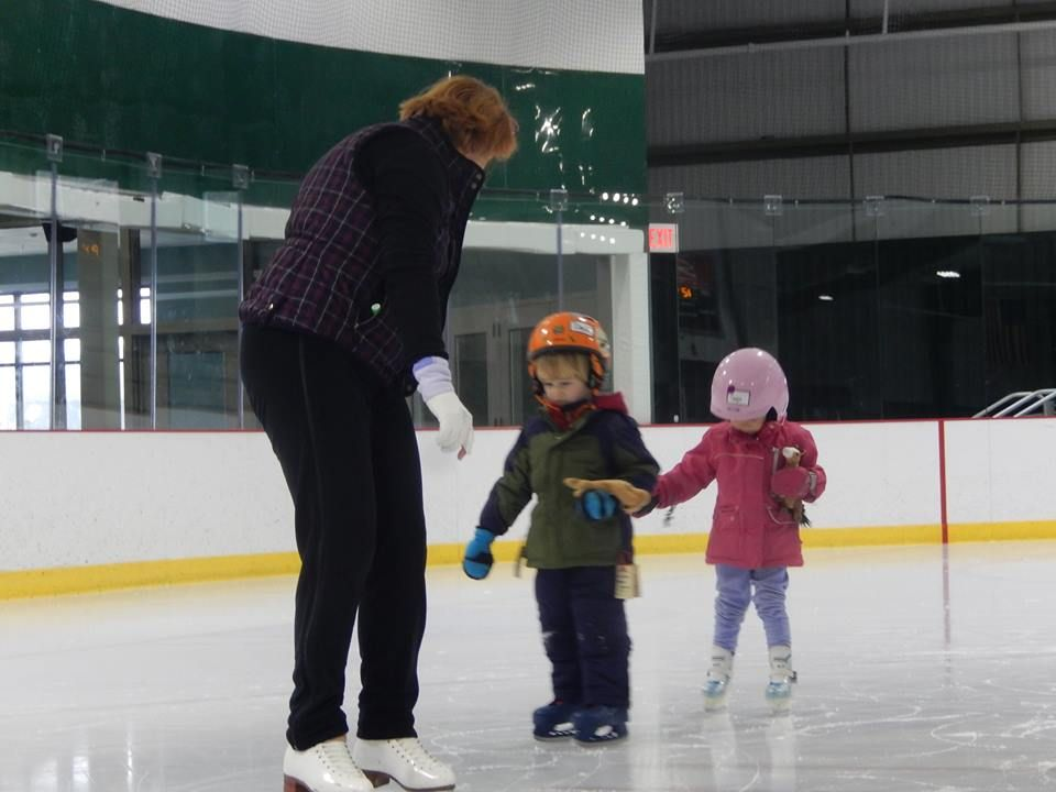 The 10 Best Ice Skating Rinks in Vermont! Stowe Ice Arena
