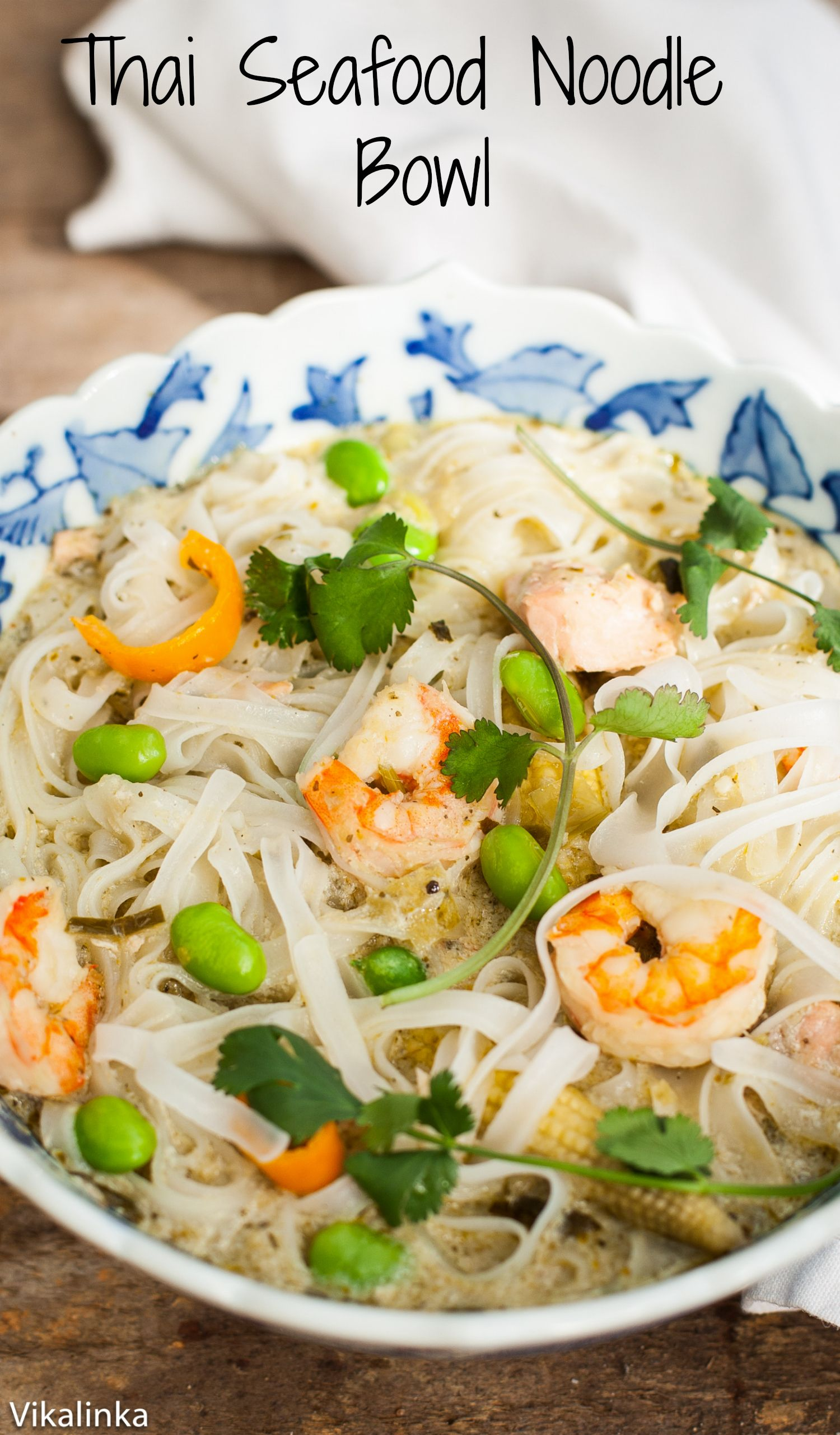 If you are a Thai food lover this Thai seafood noodle bowl is for you- warm, slightly spicy and comforting that comes together in 20 minutes.