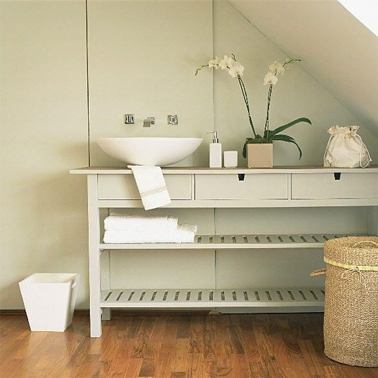 console table from Ikea u003d simple and cheap bathroom vanity - badezimmer inspirationen idea