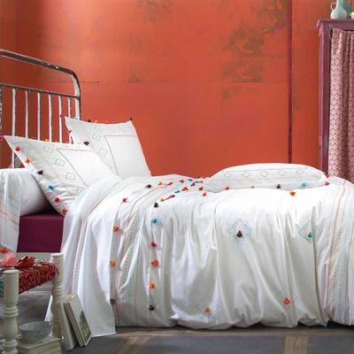 housse de couette polycoton brod e pompons multicolores pompon blanc my job pinterest. Black Bedroom Furniture Sets. Home Design Ideas