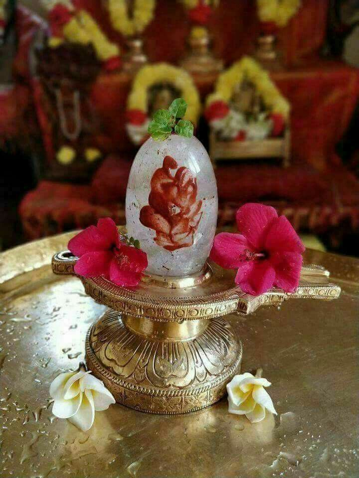 Shivling and trishul made of flowers Surat Gujarat India Asia Stock Photo -  Alamy
