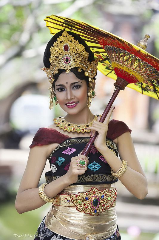 Beautiful Woman From Bali Traditional Outfits Beauty