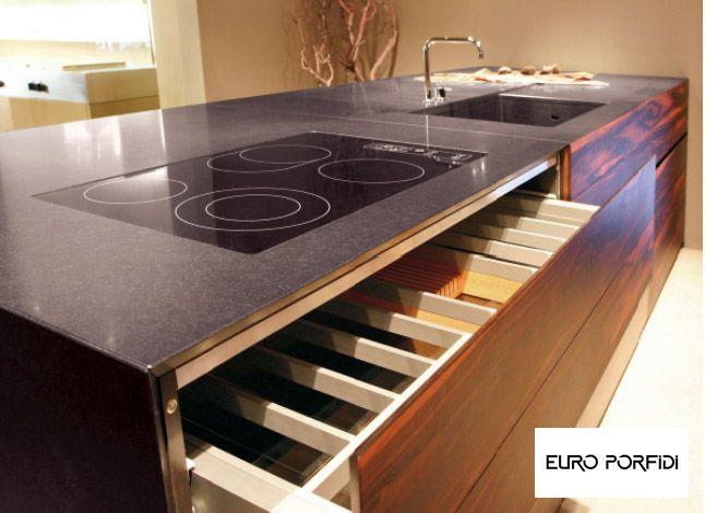Piano Cucina Porfido.Piani Cucina Realizzati In Porfido Marrone Del Trentino