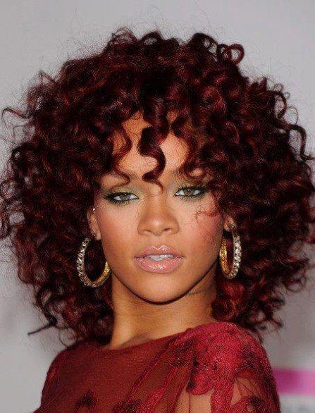 Colore capelli ricci medi