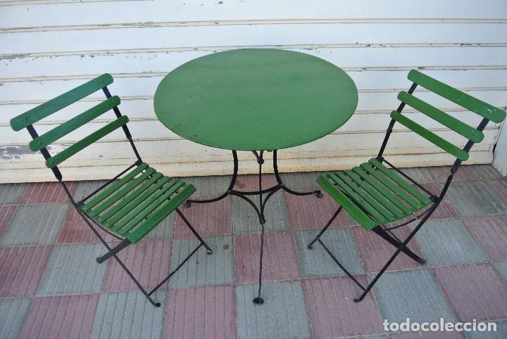 Vintage: Antigua mesa de hierro, con sillas plegables para terraza o ...