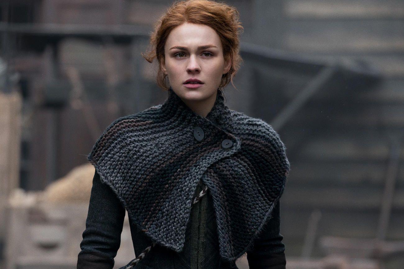 Outlander Stars Break Down Brianna And Jamie S Bittersweet Meeting Outlander Season 4 Outlander Outlander Knitting