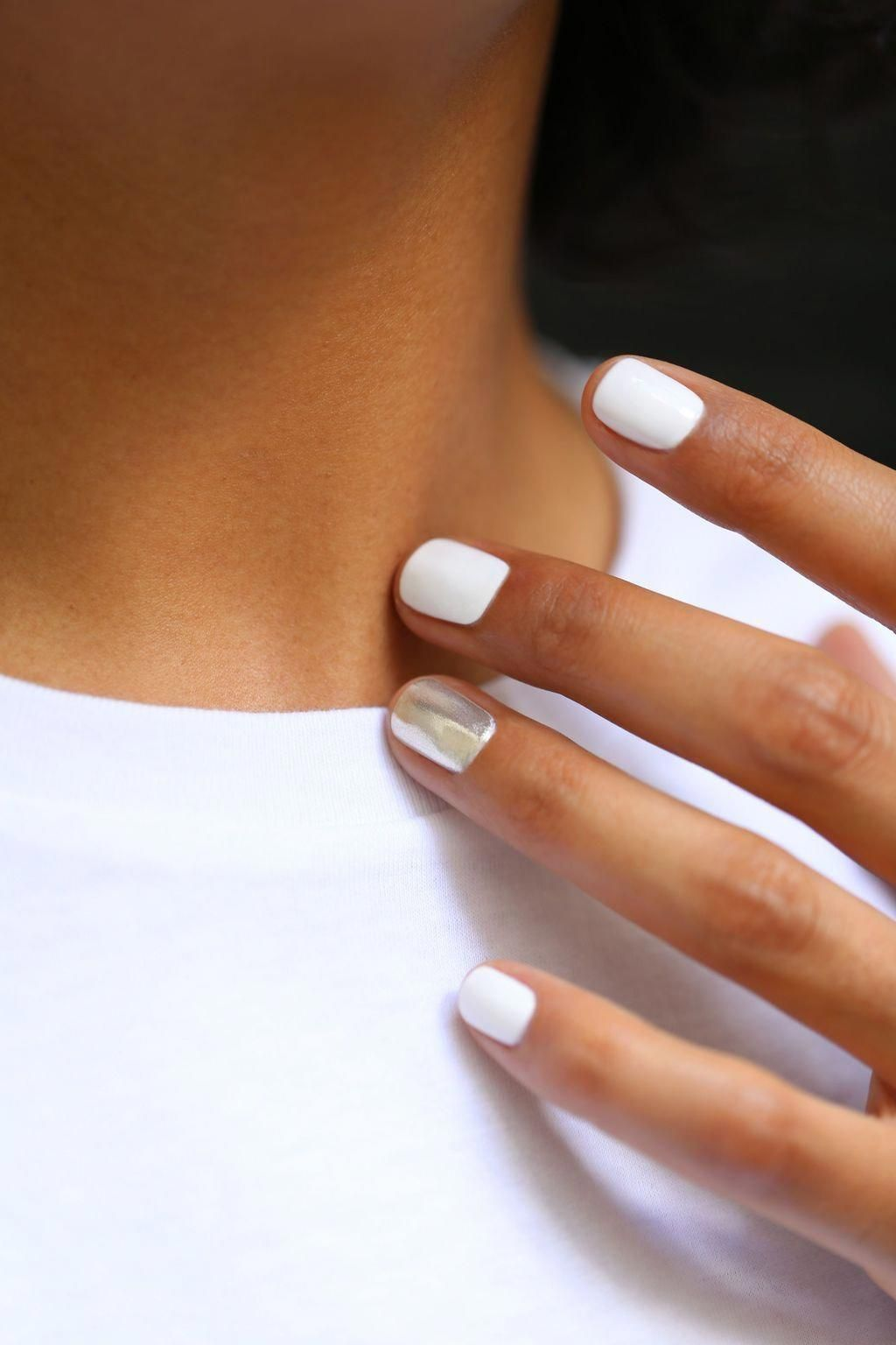 4 Methods To Make A French Manicure On Gel Nails With Images Green Nails White Acrylic Nails Stylish Nails