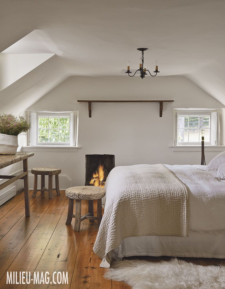 Belgian-born interior designer Natascha Folens and her husband retreat to their weekend home in the heart of Virginia hunt country.
