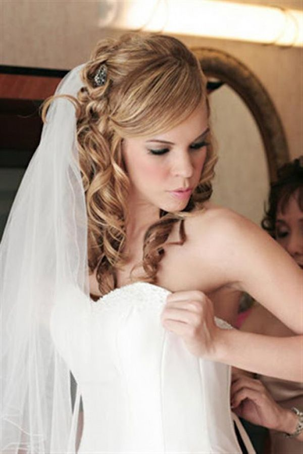 50 Simple Bridal Hairstyles For Curly Hair | Curly, Veil and Bridal hair