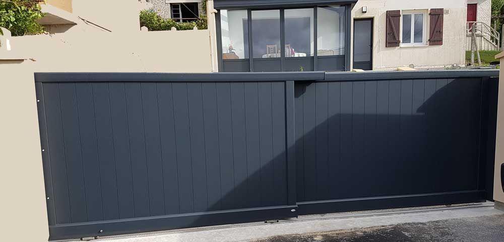 portail t lescopique deux vantaux coulissants gris anthracite avec motorisation int gr e. Black Bedroom Furniture Sets. Home Design Ideas