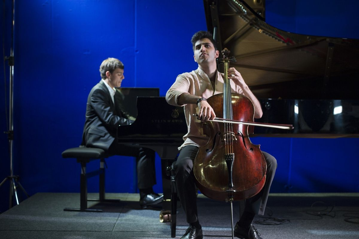 Chamber music festival at Swarovski Kristallwelten: Music in the Giant 2016 with Kian Soltani (violoncello) and Aaron Pilsan (piano).