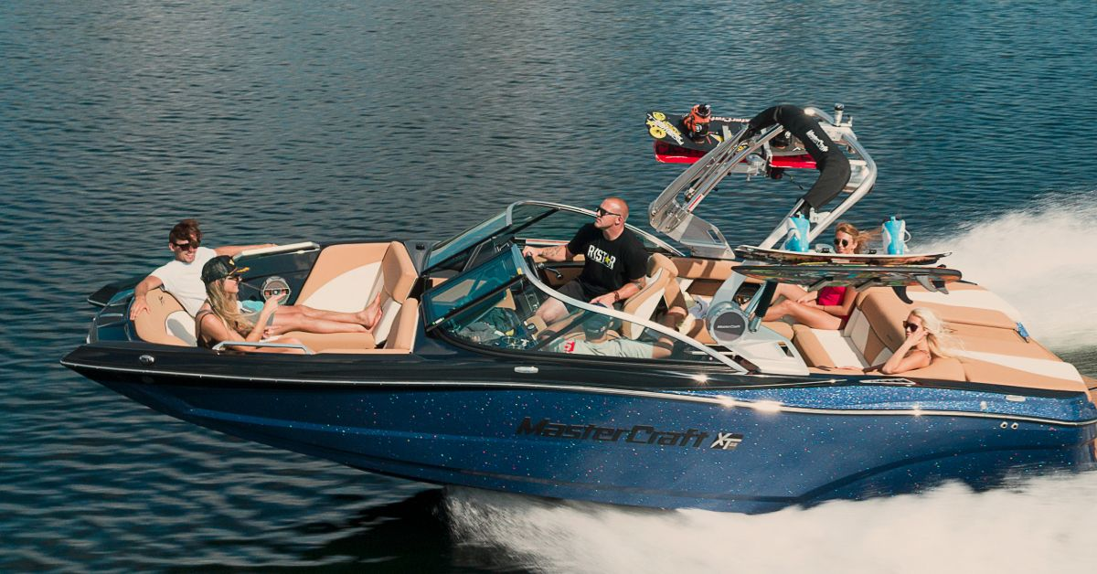Boats Yachts Pontoons For Sale In Washington Oregon With Images Boat Brands Sport Yacht Boat Companies