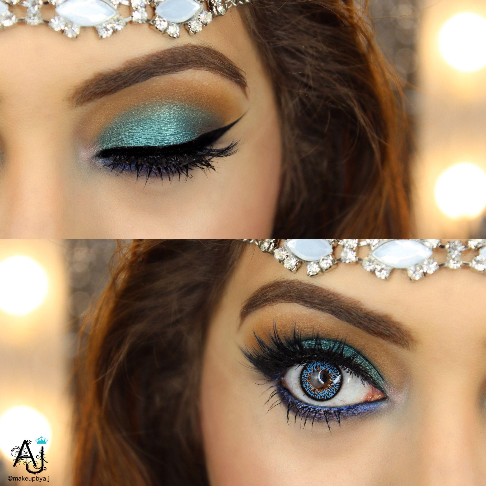 Teal Blue/ Green eye makeup eyeshadow look created using