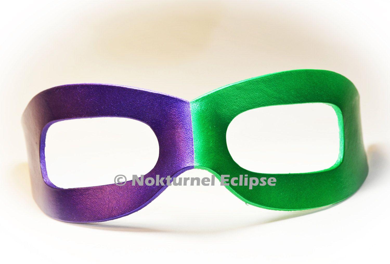 Purple green riddler mask