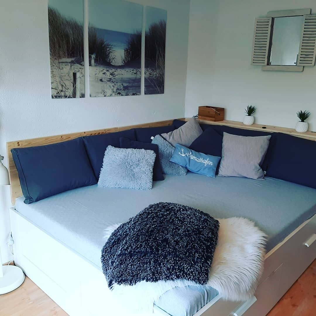 Schlafsofa im Wohnzimmer in 8  Wohnzimmer, Wohnen, Wohnung