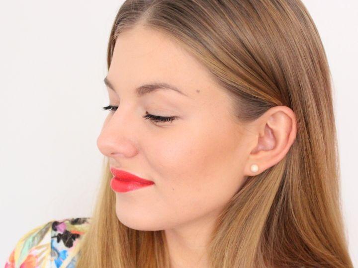 MyCosmo-kauneusbloggaaja Nella Törnroos kertoo uusimmassa postauksessaan, miten päivität helpoin askelein arkimeikkisi kevättaajuudelle! Mukana Avon Super Extend Winged Out -ripsiväri. | Update your everyday makeup to spring by Nella Törnroos