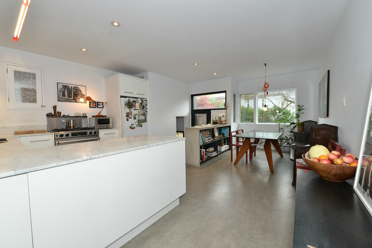 Unfussy fussy eat-in kitchen 18+Bellwoods+Ave+6.png 1,275×850 pixels