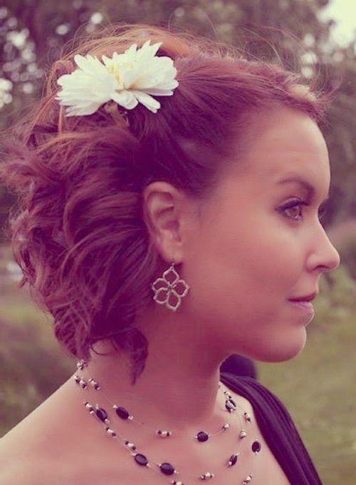 Coiffure Mariage Cheveux Courts Chignon Recherche Google Short Wedding Hair Vintage Curls Short Hair Styles