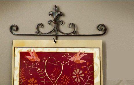 Fleur De Lis Metal Calendar Hook Tripar http://www.amazon.com/dp/B004LGY4PQ/ref=cm_sw_r_pi_dp_SK9Wtb1FN028639Q
