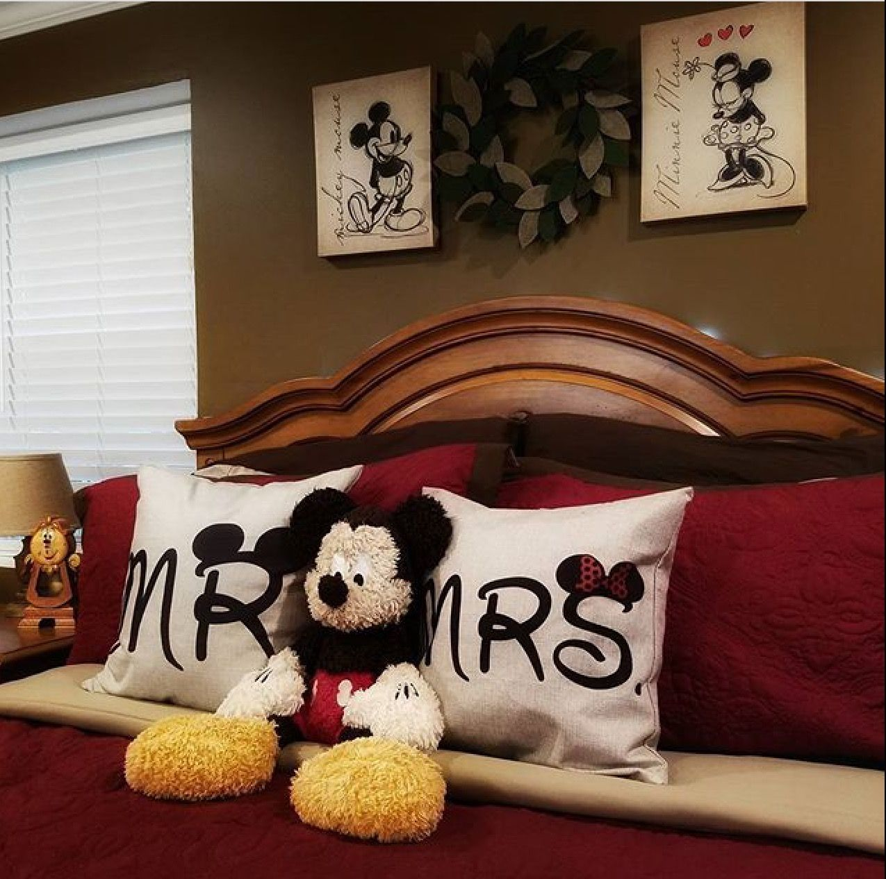 Have The Same Art And Pillows In 2019 Disney Home Decor