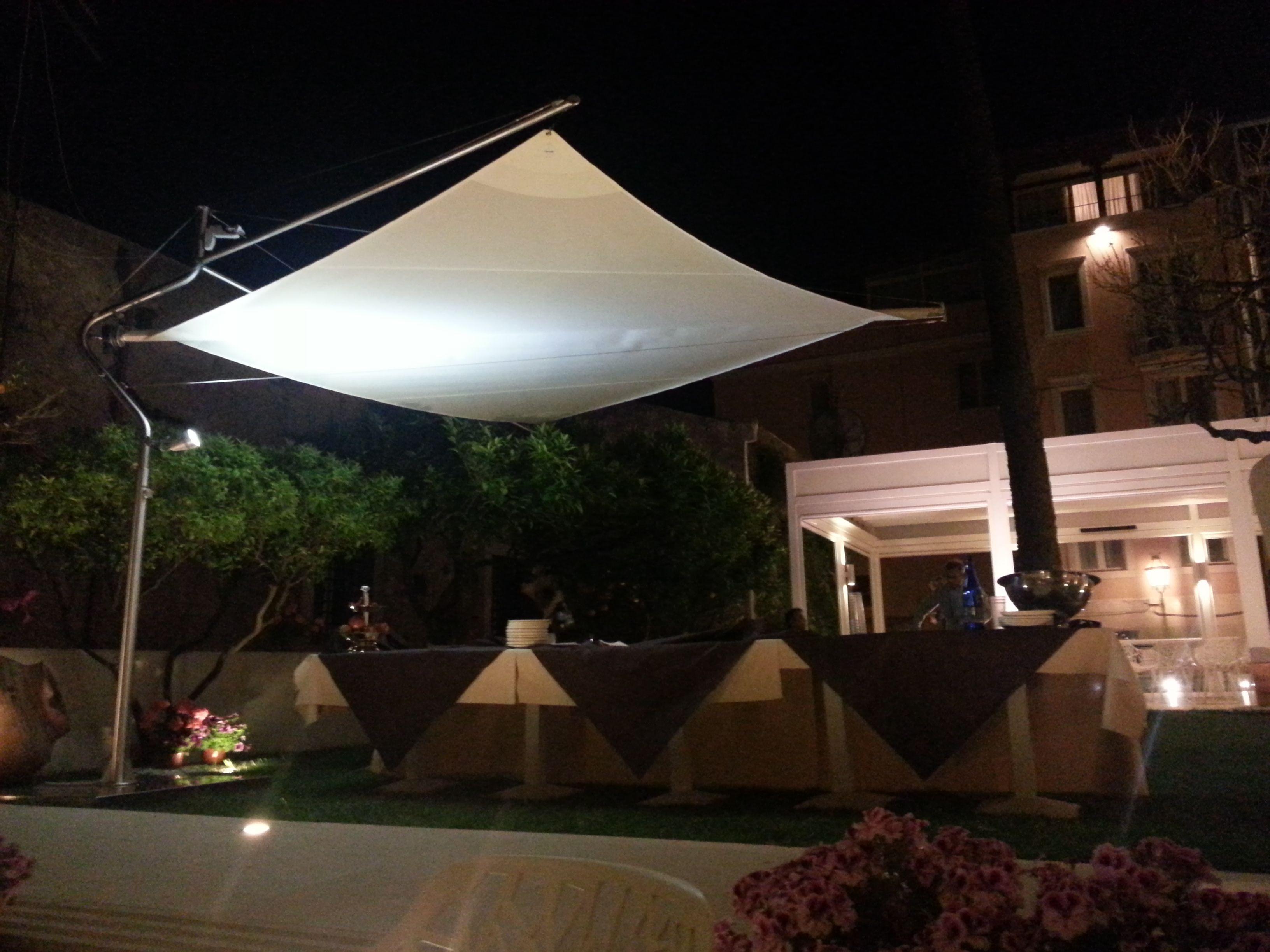 """Vela autoportante retraibile """"Defense"""" presso Hotel """"Il Piccolo Giardino"""" - Taormina"""