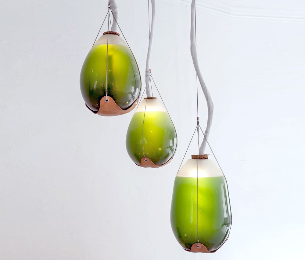 These living algae lamps produce light heat and a for Livyng ecodesign