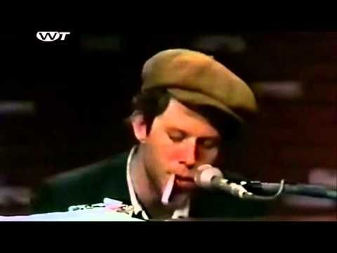 ▶ Tom Waits - No Visitors After Midnight - YouTube  1h21 de show maravilhoso
