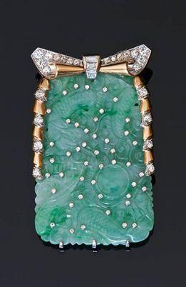 Vintage art deco .Piece of jewellery like a bag.
