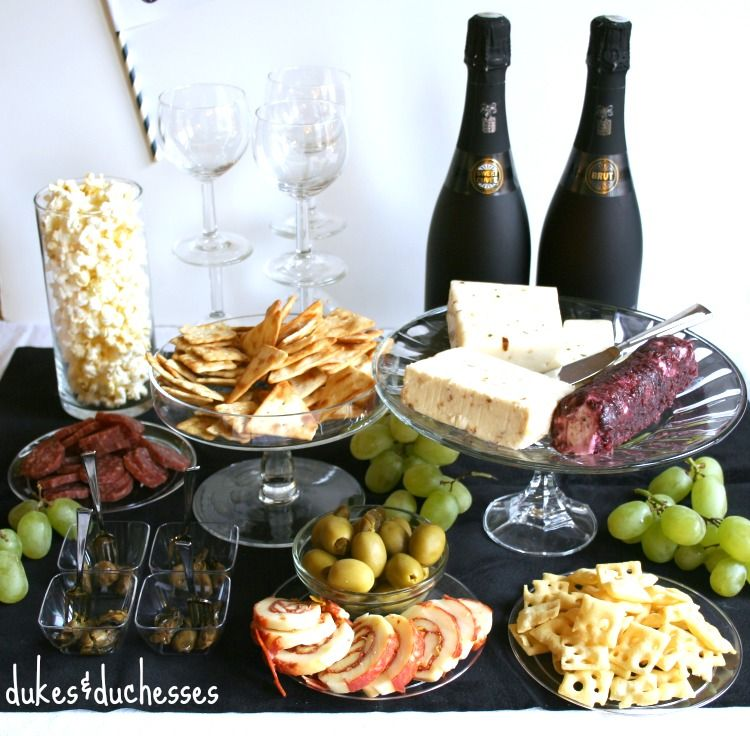 a simple cocktail party top pins of the day pinterest party time food and wine. Black Bedroom Furniture Sets. Home Design Ideas