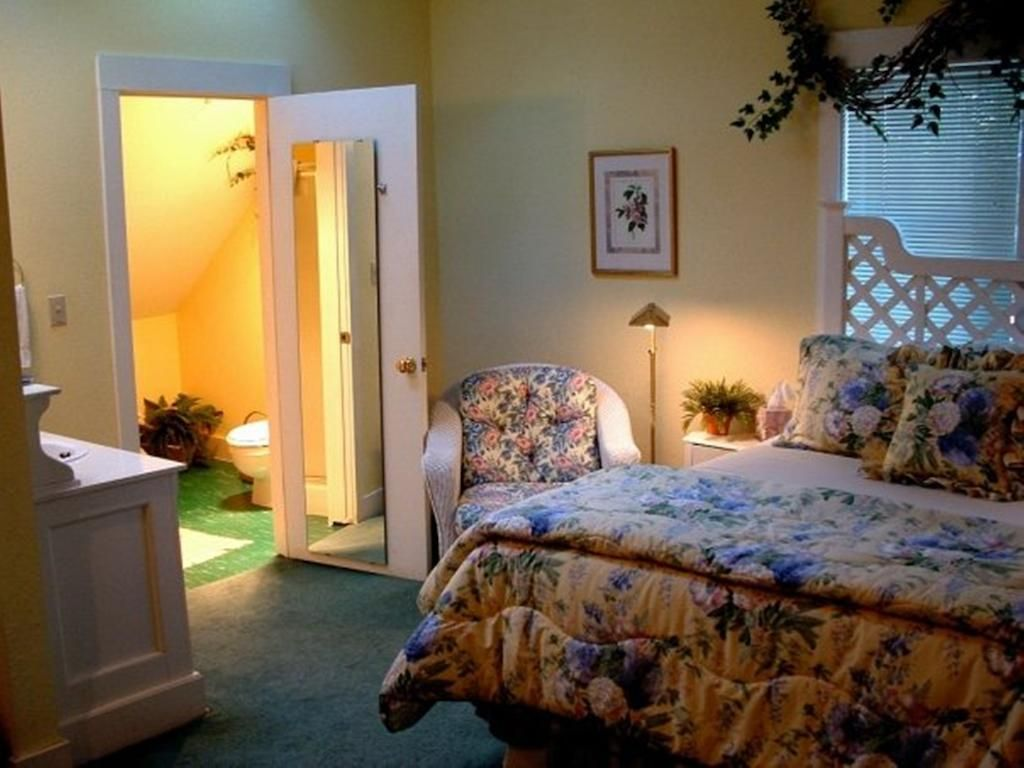 Pin Oleh Intan Sari Di Bedroom Pinterest Bedroom Bed Frame Dan Bed