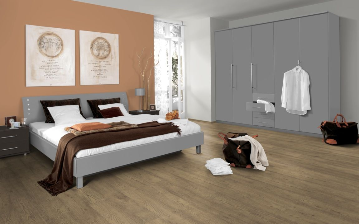 White Washed Laminate Flooring It Gives The Space Such A Light And Serene Feel Bedroom Flooring White Wood Floors White Wash Laminate Flooring